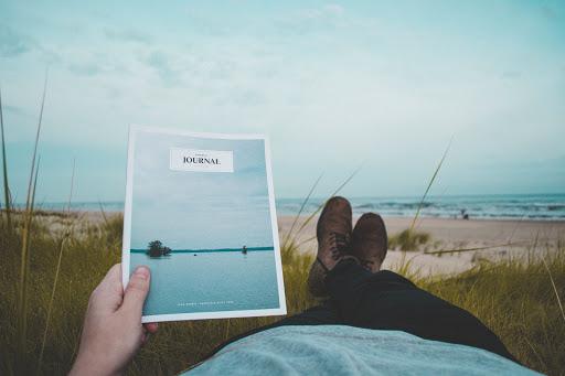 לבחור להתחיל לקרוא מאמר, ולבחור להמשיך לקרוא אותו